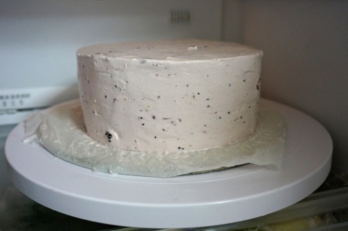 Sharp edge cream frosting