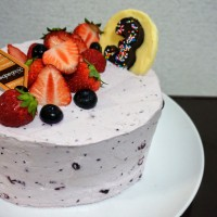 Sharp Edge Berries Cake