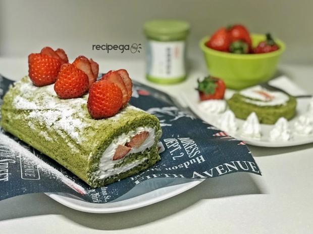 macha-roll-cake